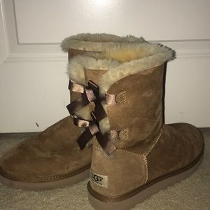 Ugg Bow Boots (NOT WORN)